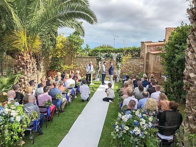 Wedding ceremony at Masia Notari